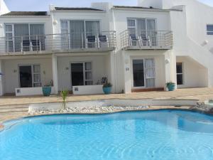 Tweepersoonskamer met Uitzicht op het Zwembad - Begane Grond