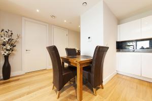 Pinnacle Residences - Central Cambridge, Apartmanok  Cambridge - big - 92