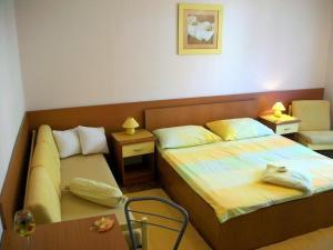 Rooms & Apartments Villa Anka, Апартаменты  Тучепи - big - 31