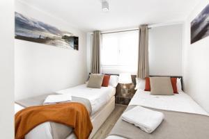 Luxury Three-Bedroom Attic with Terrace