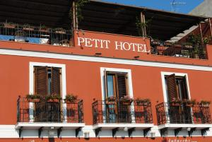 Petit Hotel, Hotel  Milazzo - big - 61
