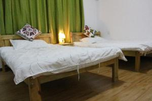 Train Seven Youth Hostel, Hostels  Jinghong - big - 24