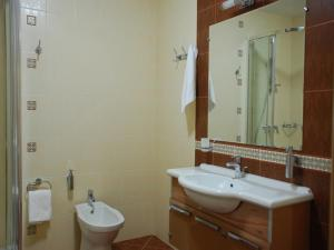 Hotel Bravo Lux, Hotel  Samara - big - 5