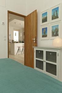 Appartement avec terrasse, sur le port, pieds dans l'eau, Apartments  Cassis - big - 26