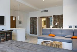 Appartement avec terrasse, sur le port, pieds dans l'eau, Apartmanok  Cassis - big - 15