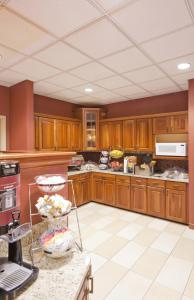 Hampton Inn & Suites St. Louis-Chesterfield, Отели  Chesterfield - big - 18