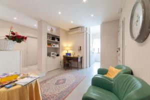 B&B Le Grazie, Bed & Breakfasts  Bergamo - big - 80