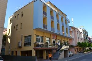 Hot n' Fun Berna Hotel - AbcAlberghi.com