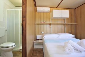 Villaggio Camping Tesonis Beach, Campsites  Tertenìa - big - 32