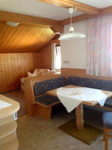 Pension Kuntschner, Ubytování v soukromí  Mittersill - big - 9