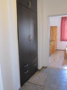 Sea Panorama Apartment, Apartmanok  Balcsik - big - 9