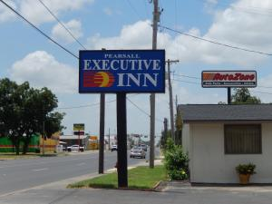 Executive Inn Pearsall