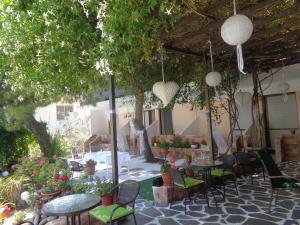 Angela Hotel, Hotely  Agia Marina Aegina - big - 41