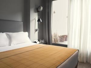 Single Room with Terrace