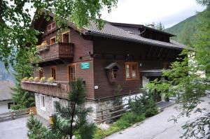 Haus Antonius Lilie, Apartmanok  Heiligenblut - big - 24