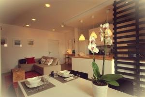 Nineteen - Bed and Breakfast Peniche