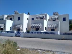 Damias Village(Parikia)