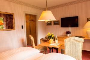 Garden-Hotel Reinhart, Hotely  Prien am Chiemsee - big - 8