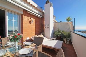 Friendly Rentals Sunset Apartment, Apartmanok  Sitges - big - 2