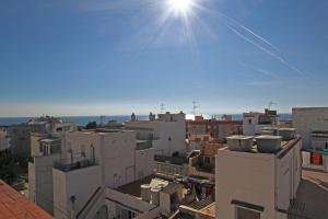 Friendly Rentals Sunset Apartment, Apartmány  Sitges - big - 11