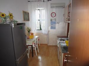 Apartment Retro III