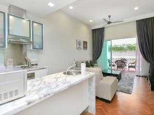 Home-Suites in Straits Quay, Penang, Апартаменты  Танджунг-Бунга - big - 30