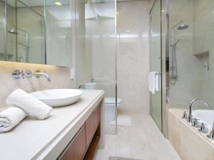 Home-Suites in Straits Quay, Penang, Apartmanok  Tanjung Bungah - big - 76