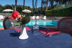 Hotel Kon Tiki, Hotely  San Vincenzo - big - 72