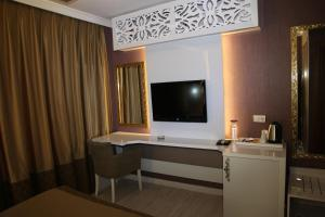 Saros Hotel, Hotely  Halic - big - 8