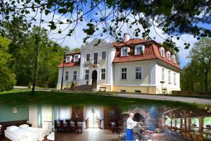 Hotel Ksiezycowy Dworek