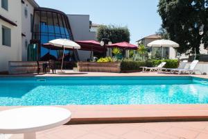 Hotel Kon Tiki, Hotely  San Vincenzo - big - 73