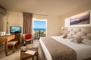 Bella Beach Hotel, Rezorty  Hersonissos - big - 6