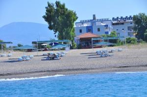 Отель Önder Yıldız Hotel, Кызылот