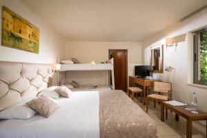 Bella Beach Hotel, Rezorty  Hersonissos - big - 8