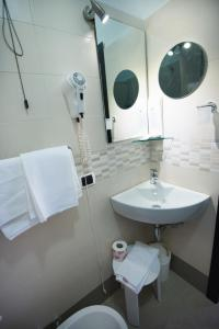 Hotel Kon Tiki, Hotel  San Vincenzo - big - 23