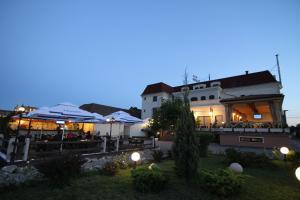 Hotel Clasic, Szállodák  Szászsebes - big - 14