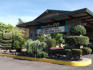 Pepper Tree Inn, Hotel  Beaverton - big - 41