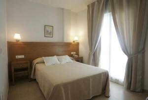 Hotel Goartín, Отели  Малага - big - 6