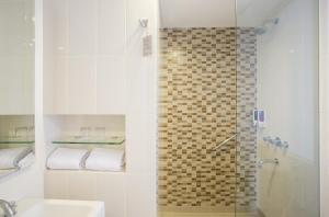 Amaris Hotel Hertasning, Hotels  Makassar - big - 6
