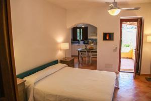 Residence Salina - Acquarela, Apartmanok  Malfa - big - 43