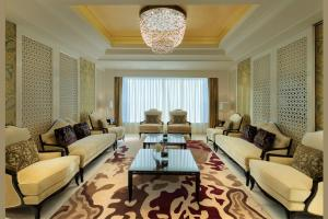 Royal Suite with Lounge Access