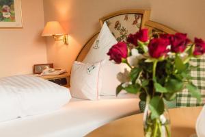 Garden-Hotel Reinhart, Hotely  Prien am Chiemsee - big - 11