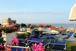 Hotel Daisy, Hotely  Marina di Massa - big - 11