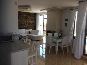 Villa Bellerose, Case vacanze  Bozhurets - big - 25