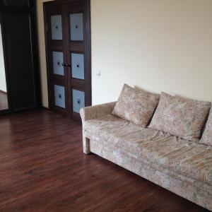 Apartment Sovkhoznaya 8