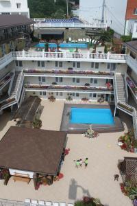 Ekvator Hotel