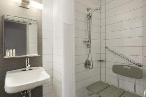 Twin Room with Disability Access - Non-Smoking