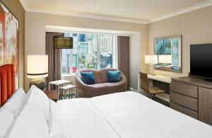 Grand Deluxe King Room - City View