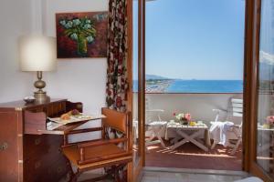 Grand Hotel De Rose, Hotels  Scalea - big - 35