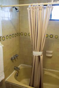 Hotel Quintas Papagayo, Hotels  Ensenada - big - 40